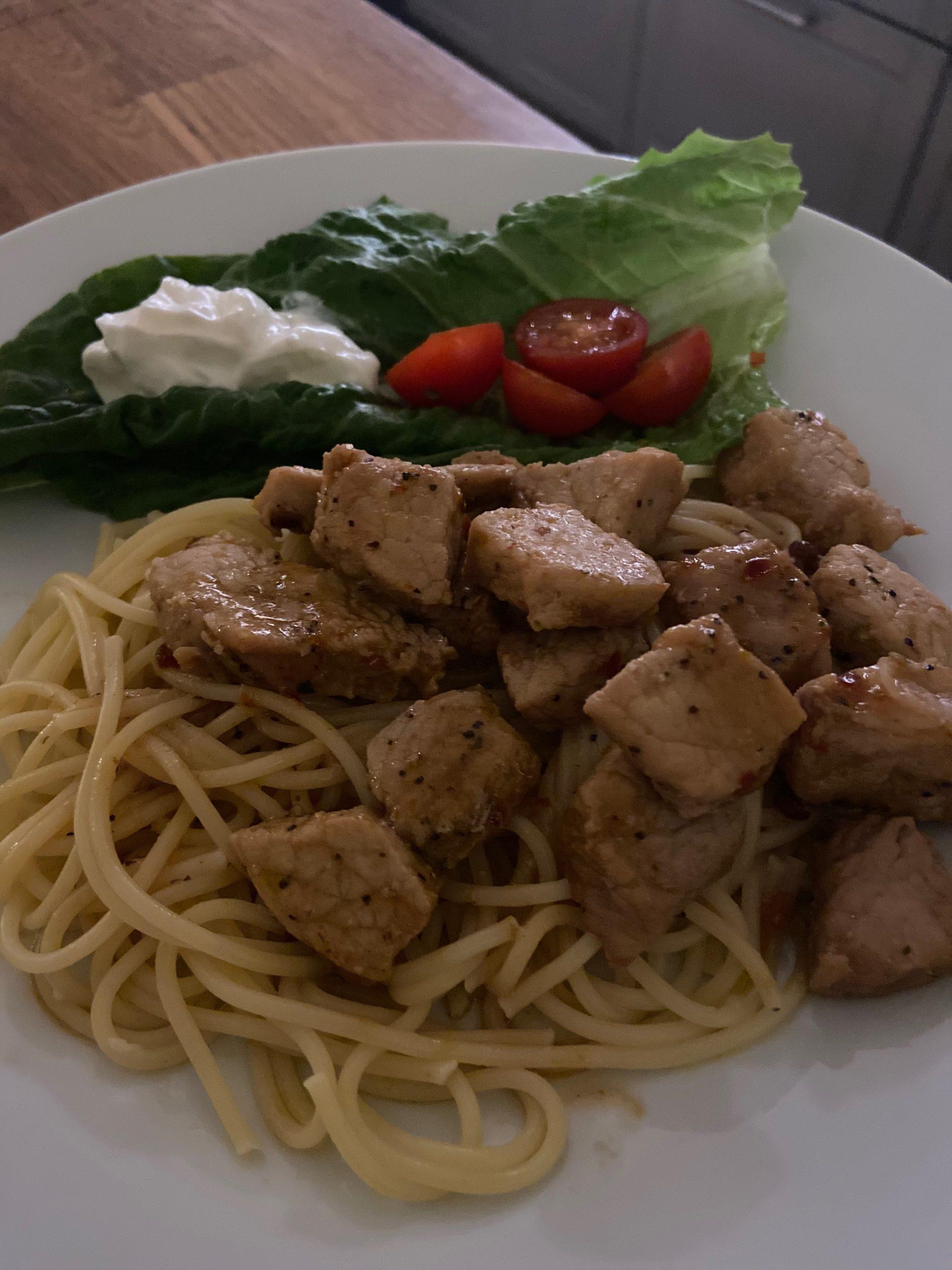 Sweetchilifläsk med pasta